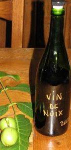 bouteille-vin-de-noix