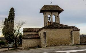 randonnée-de-flottes-église-mur-clocher