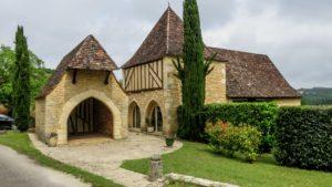 Sauveterre en Lémance maison en pierre
