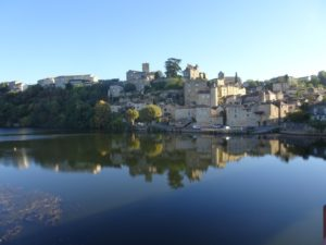 Puy l'Eveque vue village