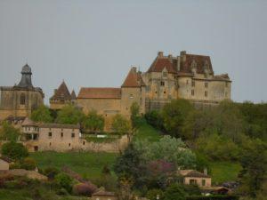 Monpazier chateau de Biron